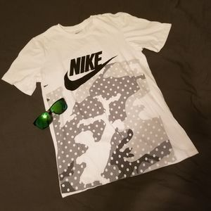 Nike   Graphic Camo Tee